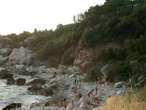 Сутоморе, курортный поселок в Черногории