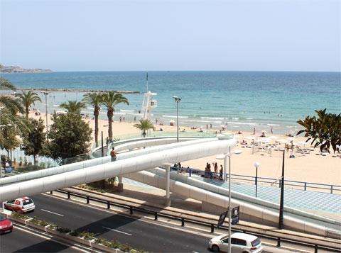 Аликанте: у берега моря