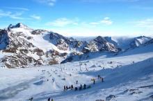 Катание на горных лыжах - прекрасный зимний отдых!
