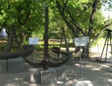 Выставка якорей в Севастополе